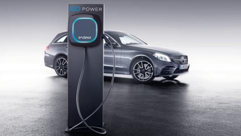 EQ Power coche Mercedes híbrido enchufable