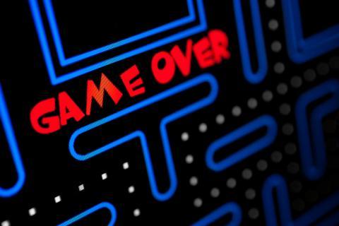 Juego arcade Game Over