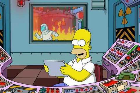 Homer Simpson, en la central nuclear