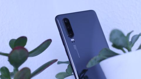 Detalle de la cámara principal del Huawei P30
