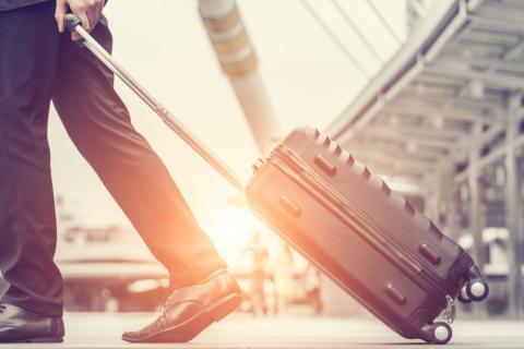 Viaje maleta avión