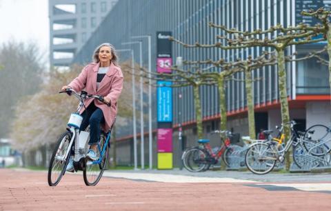 Bicicleta eléctrica para personas mayores
