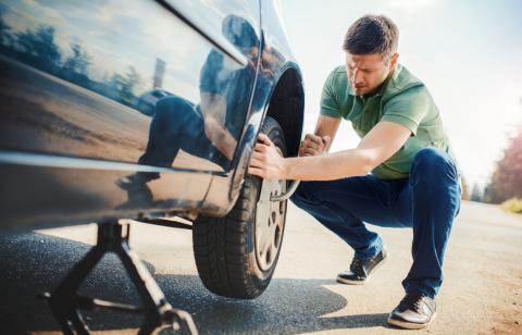 Cambiar rueda de coche