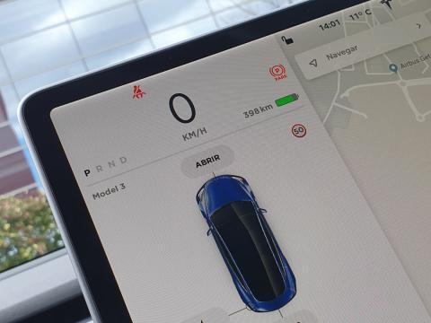 Pantalla del Tesla Model 3