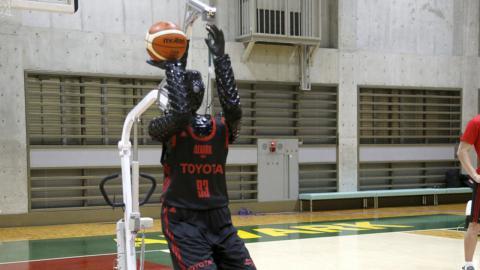 Robot jugador de baloncesto