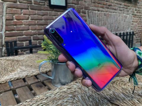 Xiaomi Mi 9 morado
