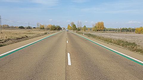Líneas verdes carretera DGT