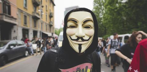 Máscara en una manifestación