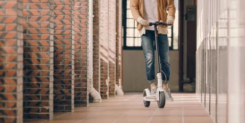 Patinete Xiaomi Mi Electric Scooter blanco