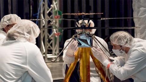 Pequeño helicóptero de la NASA