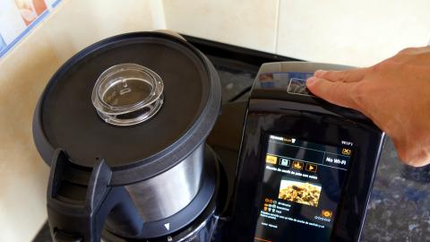 Stand-by Taurus Mycook Touch Black Edition