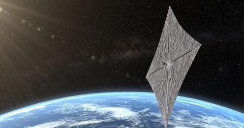 nave espacial con alas