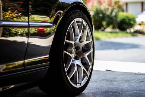 Neumático rueda de coche tapacubos