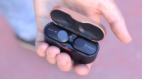 Estuche de los auriculares inalámbricos Sony WF-1000XM3