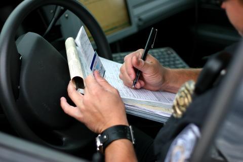 excepciones y multas a adelantar por la derecha
