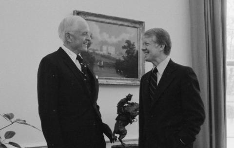 Thomas J Watson, junto a Jimmy Carter