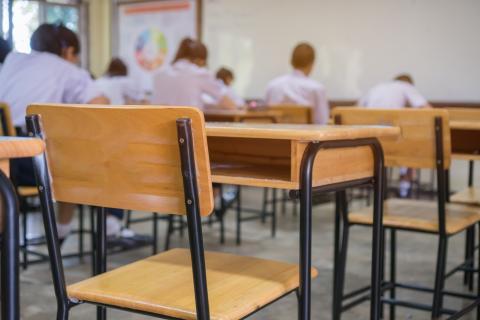 Colegio aula clase niños