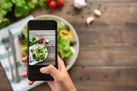 Foto de comida con el móvil