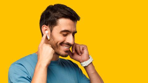 Cómo vincular unos auriculares Bluetooth chinos