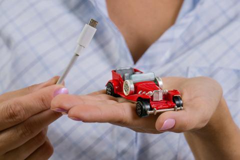 Coche eléctrico miniatura