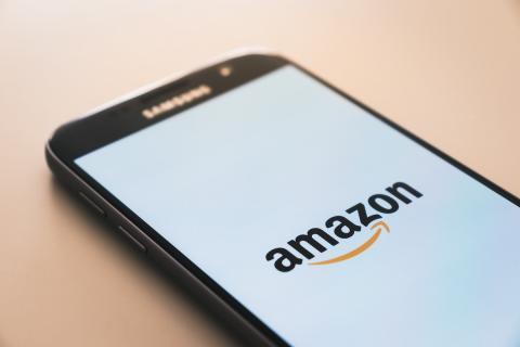 Móvil Samsung con la aplicación de Amazon