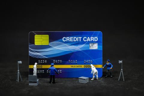 Tarjeta de crédito policía