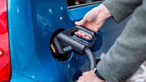 6 razones conducir coche eléctrico