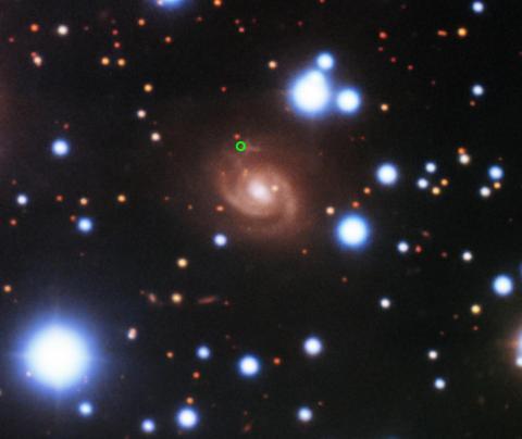 FRB o Ráfagas rápidas de radio detectadas en una galaxia cercana
