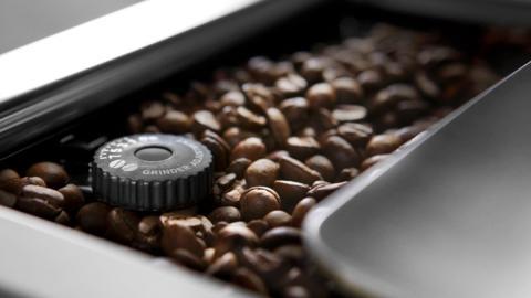 Cafetera superautomática Dinamica  De'Longhi
