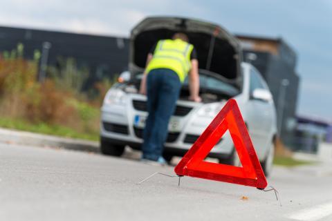 Cómo realizar correctamente una parada de emergencia para evitar ser multado por la Guardia Civil