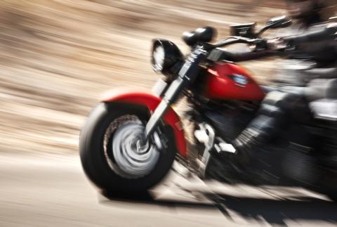 Moto yendo rápido