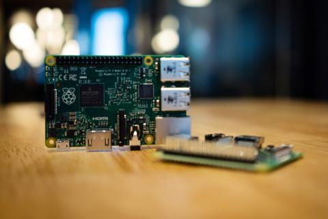 Raspberry Pi sobre una mesa