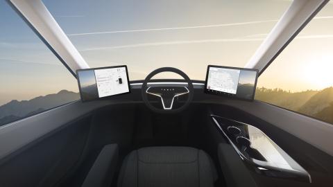 Sharp y Tesla