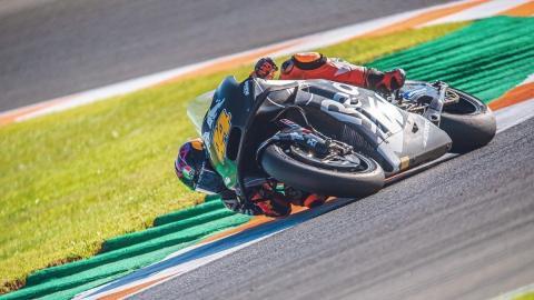 motos circuito curva pruebas pretemporada