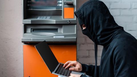 Hacker cajero automático