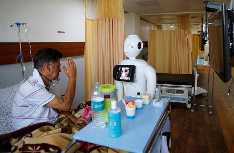 Mitra robot