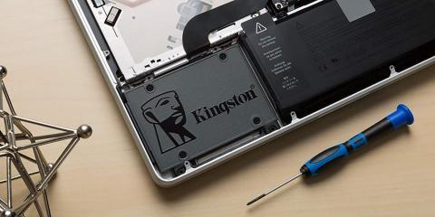 Unidad SSD Kingston en un portátil