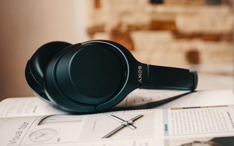 Auriculares Sony con cancelación de ruido activa