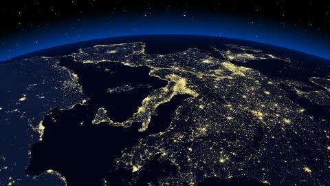 La Tierra por la noche