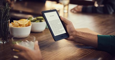 Amazon Kindle con luz frontal integrada