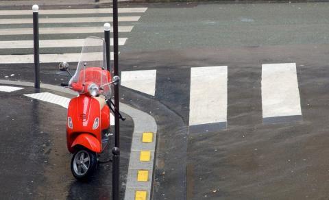 Moto aparcada