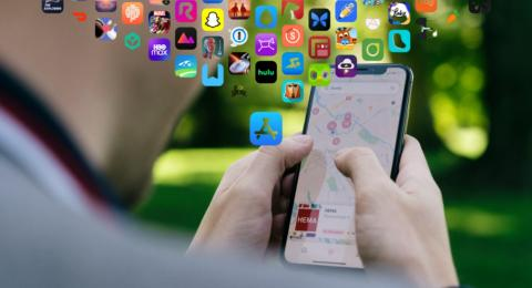 iPhone usando aplicaciones de App Store