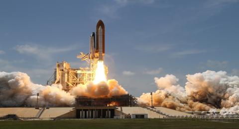 55 millones de dólares por un viaje privado al espacio, el nuevo hobby de los multimillonarios (pero también tiene sus cosas buenas)
