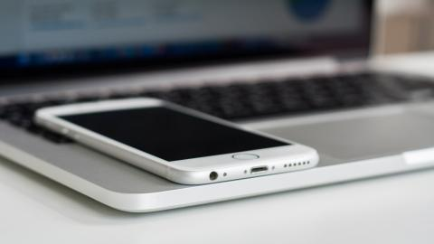 El nuevo MacBook tendrá carga inalámbrica para iPhone