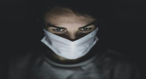 La peligrosa forma de ponerse la mascarilla que deberías evitar