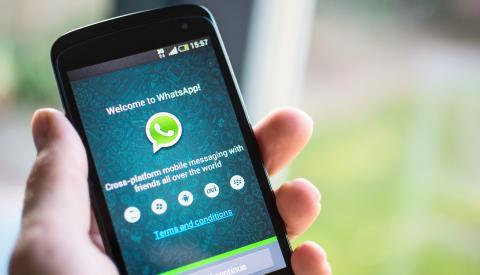 WhatsApp en un móvil antiguo