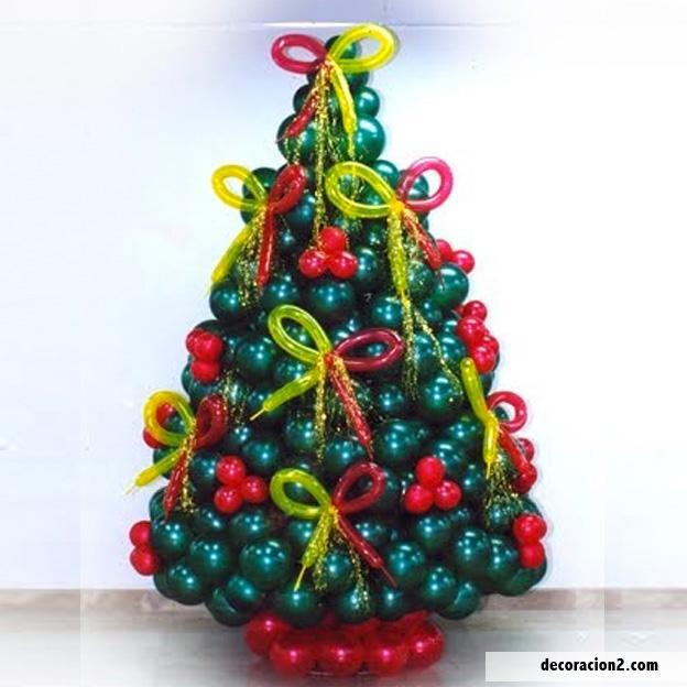 Arbol de Navidad decorado con Globos