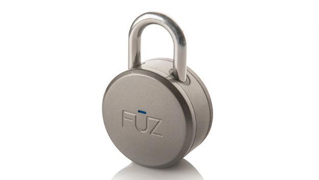 Noke en CES 2015. Es un candado inteligente que no tiene llave. Se abre mediante Bluetooth de tu smartphone. Si se te ha olvidado puedes introducir un código / Vía Engadget.com
