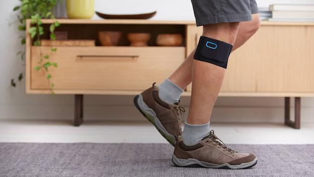 Quell en CES 2015. Es un brazalete inteligente que se pone en la pierna y que alivia dolores físicos, sobre todo relacionados con la diabetes, la fibromialgia y la ciática / Vía Engadget.com