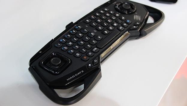 Puedes adaptar su ergonomía ajustando los asideros laterales